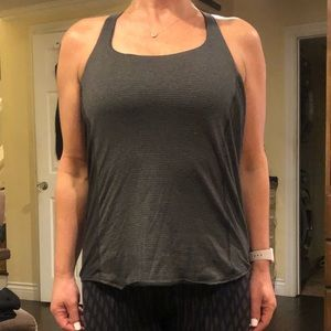 Size 6 lululemon top with bra attached